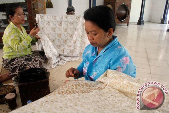 Batik warna alami Giriloyo disukai konsumen