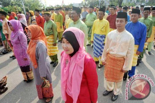 Siswa Kepri wajib kenakan baju kurung saat pengumuman kelulusan