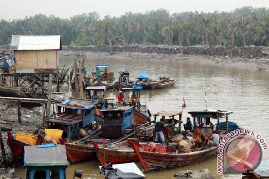 HNSI: ratusan kapal nelayan Sumut tak bisa melaut
