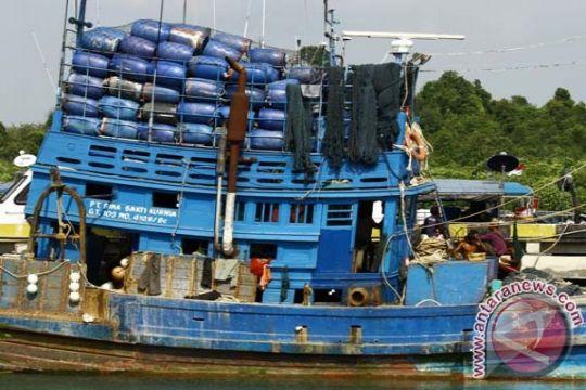 Kapal dengan 20 ton ikan diamankan Ambon