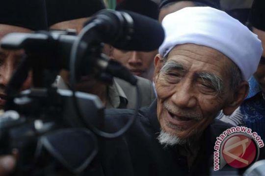 Gus Yahya: Dunia kehilangan sosok pengayom, Mbah Moen
