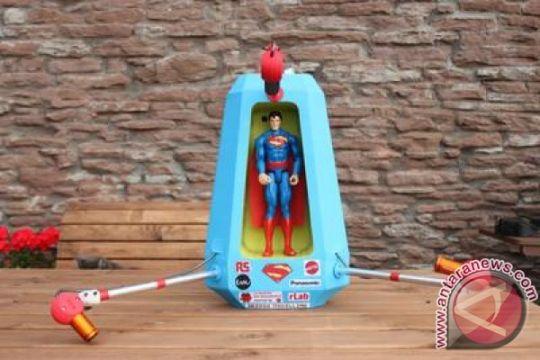 RS Components Kerja Sama dengan Mattel Kirim Superman ke Angkasa
