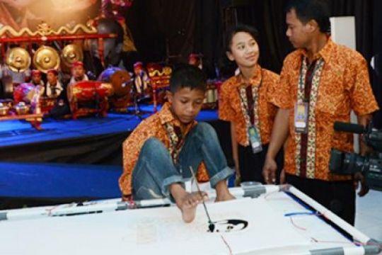 Siswa ABK unjuk kemampuan di Gebyar dan Lomba Keberbakatan PKLK Dikdas 2014