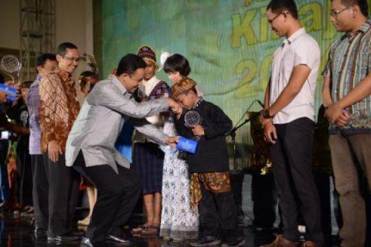 Delapan  siswa terima Anugerah Kihajar 2014