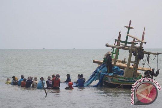 Nelayan Seruyan gunakan pukat hela terlarang