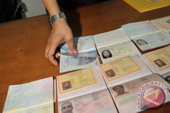 Polres Dumai amankan sindikat calo paspor ilegal