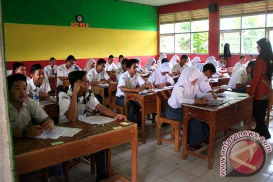 Guru percaya pemerintah bisa putuskan kurikulum terbaik
