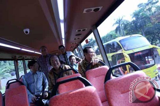 DKI terima lima bus dari Tahir Foundation