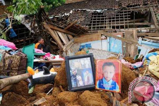 79 jenazah ditemukan, pencarian korban longsor dilanjutkan
