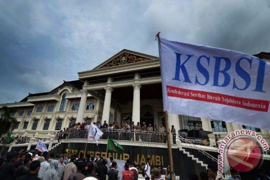 "KSBSI Jambi peringati ""mayday"" dengan bakti sosial"