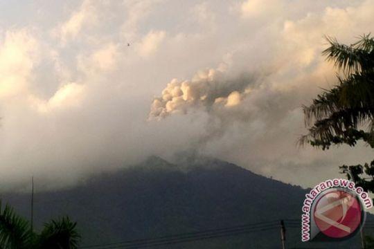 Empat kelurahan di Ternate terkena abu vulkanik Gamalama
