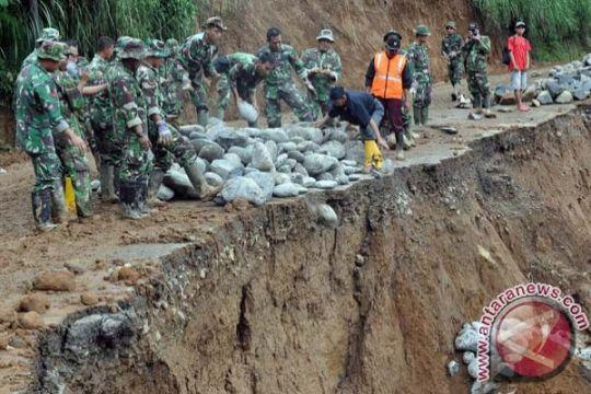 Rumah warga Gunung Kidul tertimbun longsor