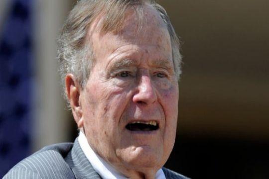 George H.W. Bush dirawat di RS setelah hadiri pemakaman istrinya
