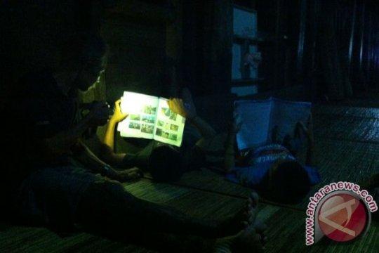 Sudah puluhan tahun Sui Utik tak diterangi listrik