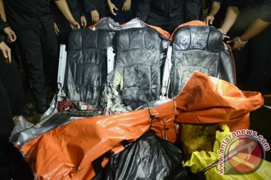 Kursi penumpang dilaporkan ditemukan bersama tiga jenazah