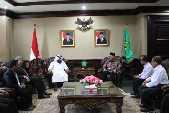 Qatar Carity intens beri bantuan keagamaan di Indonesia
