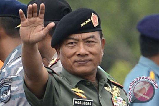 """365 perwira menengah dan 20 perwira tinggi TNI """"menganggur"""""""