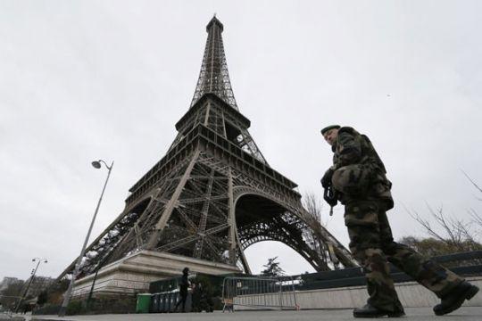 Tingkatkan keamanan, Menara Eiffel akan dipasangi kaca anti-peluru