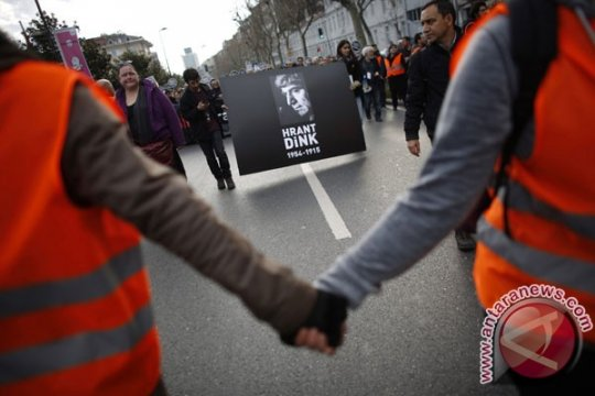 Turki kecam deklarasi hari peringatan genosida Armenia oleh Presiden Prancis