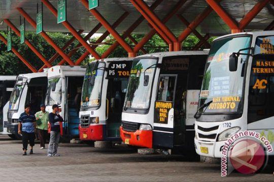Dishub Surabaya periksa kelayakan bus AKDP, AKAP jelang Lebaran