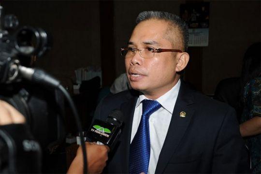 Anggota DPR diminta Bi berhati-hati intervensi pasar