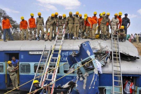 Jumlah korban jiwa jadi 61 dalam bencana kereta di India