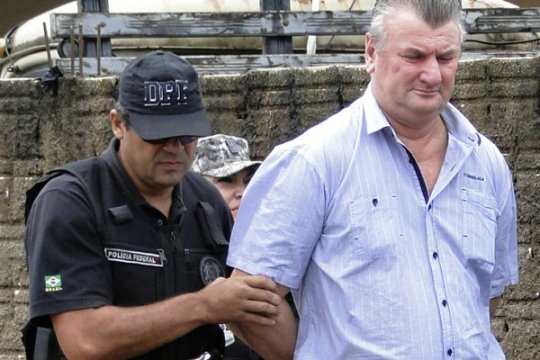 Hakim  bebaskan relawan pemadam kebakaran yang dituduh bakar Amazon