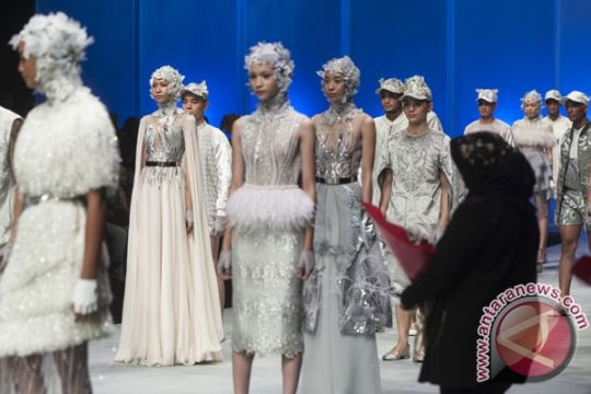 Pemenang Indonesia Fashion Week dapat beasiswa sekolah mode di Italia