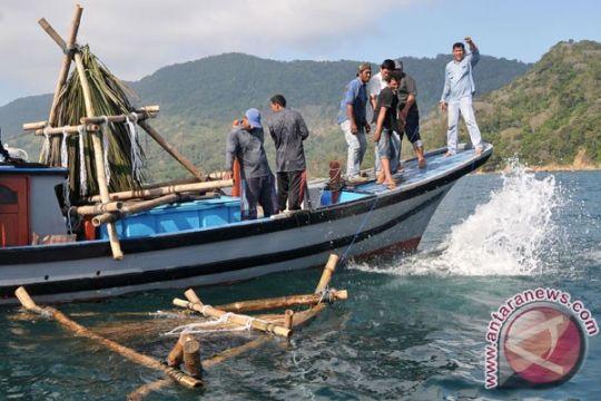 Tim pengawas perikanan berhasil amankan empat rumpon