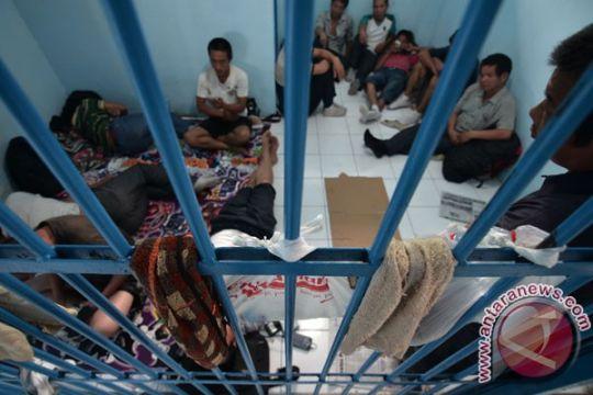Imigrasi Jambi deportasi enam WNA