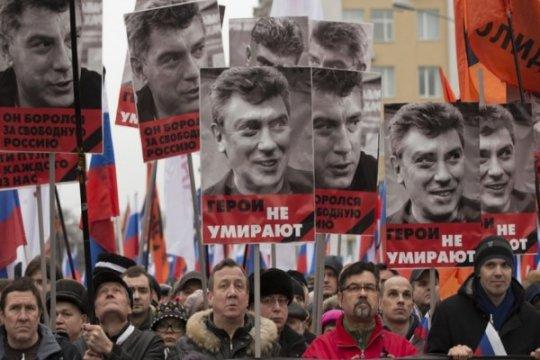 Oposisi Rusia peringati pembunuhan pengkritik Kremlin Nemtsov