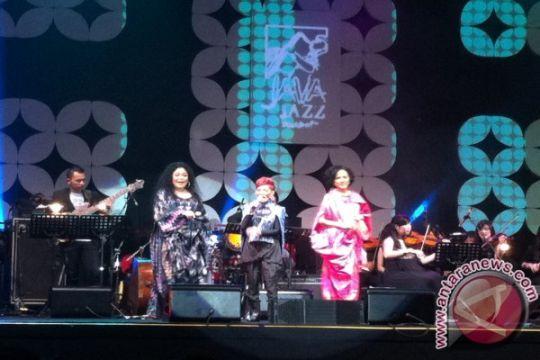 Ermy Kullit, Margie Segers, Rien Djamain tampil di Java Jazz