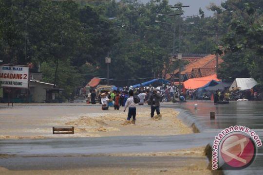 Tanggul terancam jebol di Indramayu, 6.000 orang dalam bahaya