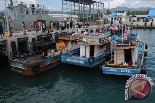 Bea cukai tangkap kapal Malaysia pencuri ikan