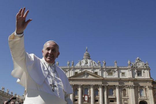 China-Vatikan tanda tangani perjanjian penunjukan uskup