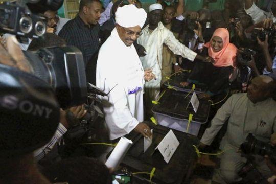 Tiga orang tewas dalam bentrokan ketika Presiden Sudan kunjungi Darfur