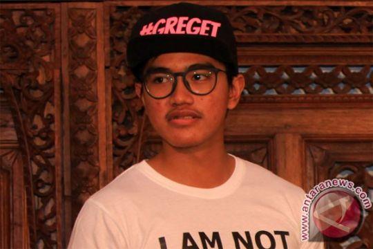 """Putra bungsu Jokowi tes pasar kaos """"Kolektor Kecebong"""""""
