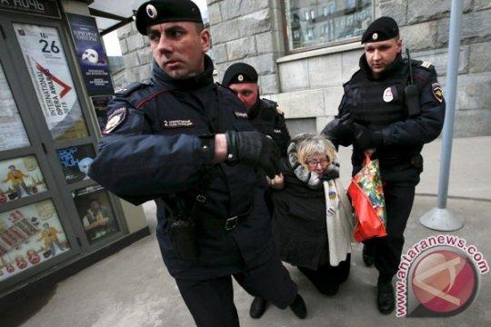 Polisi di Moskow tahan pegiat oposisi sebelum protes