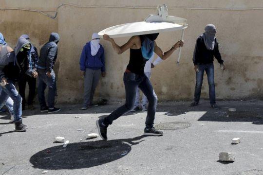 Bentrokan terjadi saat kaum ultra-nasionalis Yahudi berpawai di Jerusalem