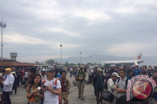 Warga Nepal tinggalkan Kathmandu karena takut gempa susulan