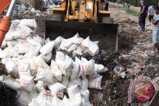 Bea Cukai Kepulauan Riau hibahkan beras impor selundupan