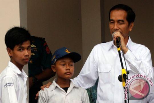 Presiden bagikan Kartu Indonesia Pintar di Kabupaten Manokwari