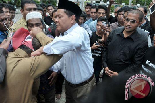 Ketua Komisi I DPRD Aceh mengamuk