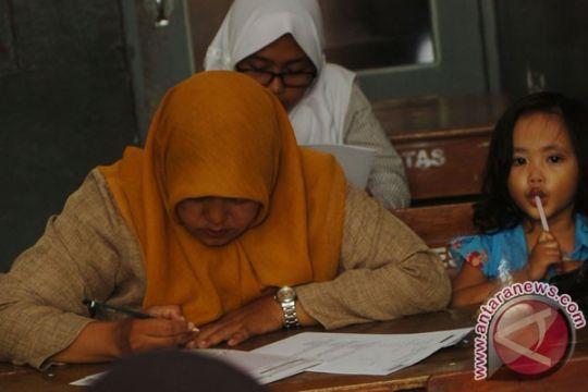 PKK Bogor wisuda lulusan pertama Sekolah Ibu
