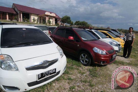 Polisi Surakarta amankan belasan mobil dokumen palsu