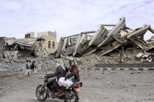 Serangan udara Arab gempur benteng Houthi di Yaman