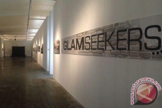 Erasmus Huis gelar pameran foto bertajuk Glam Seekers