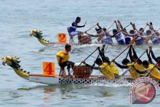 Lantamal VI Gelar Lomba Perahu Naga Peringati HUT TNI AL