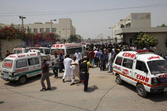 19 tewas, 40 cedera dalam tabrakan bus di Pakistan