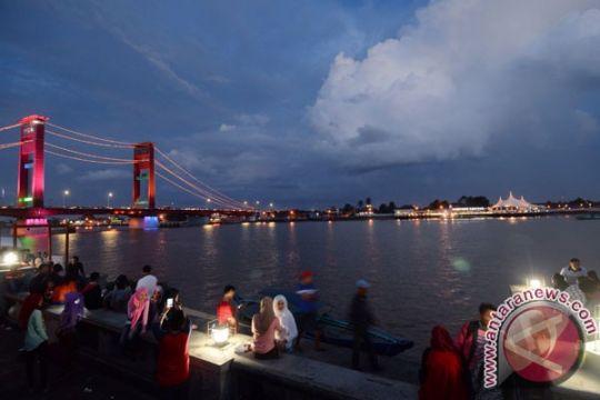 Jembatan Ampera dipercantik